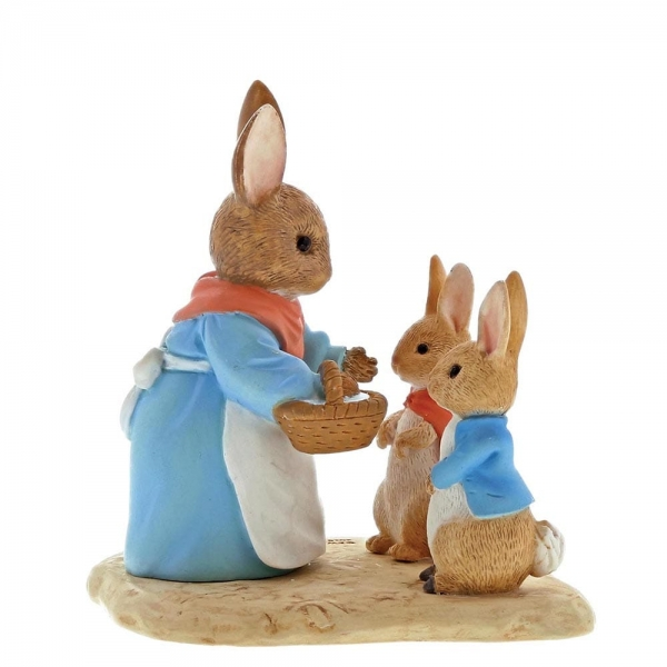 Beatrix Potter - Mrs Rabbit Flopsy & Peter Rabbit
