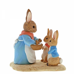 Border Fine Arts - Beatrix Potter - Mrs Rabbit Flopsy & Peter Rabbit