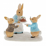 Beatrix Potter - Mrs Rabbit with a Christmas Pudding Figurine