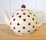 Peregrine Pottery - Queen of Hearts Teapot Large 1.4 Litre